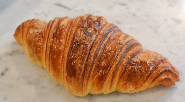 small-victory-bakery-croissant
