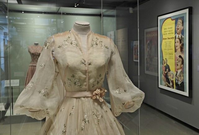 Dress (photo by Marilyn Aitken, McCord Museum)