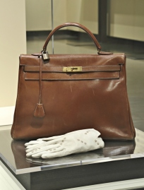 Kelly Bag by Hermes (photo by  Marilyn Aitken, McCord Museum)