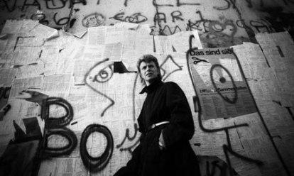 David Bowie at the Berlin Wall
