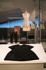 BIG fashion at the ROM (photo by K.Sark)