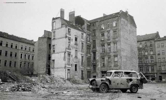 Abandoned buildings (Berlin Wonderland)