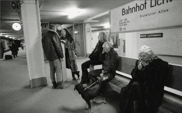 Bahnhof (Berlin Wonderland)