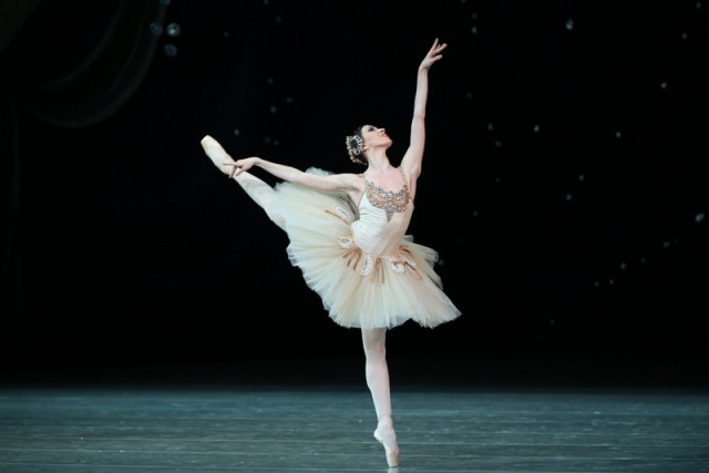 Diamonds  by Natasha Razina © State Academic Mariinsky Theatre (1)